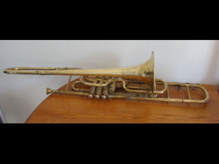 rare ancien trombone a 4 pistons couesnon monopole 4. Black Bedroom Furniture Sets. Home Design Ideas
